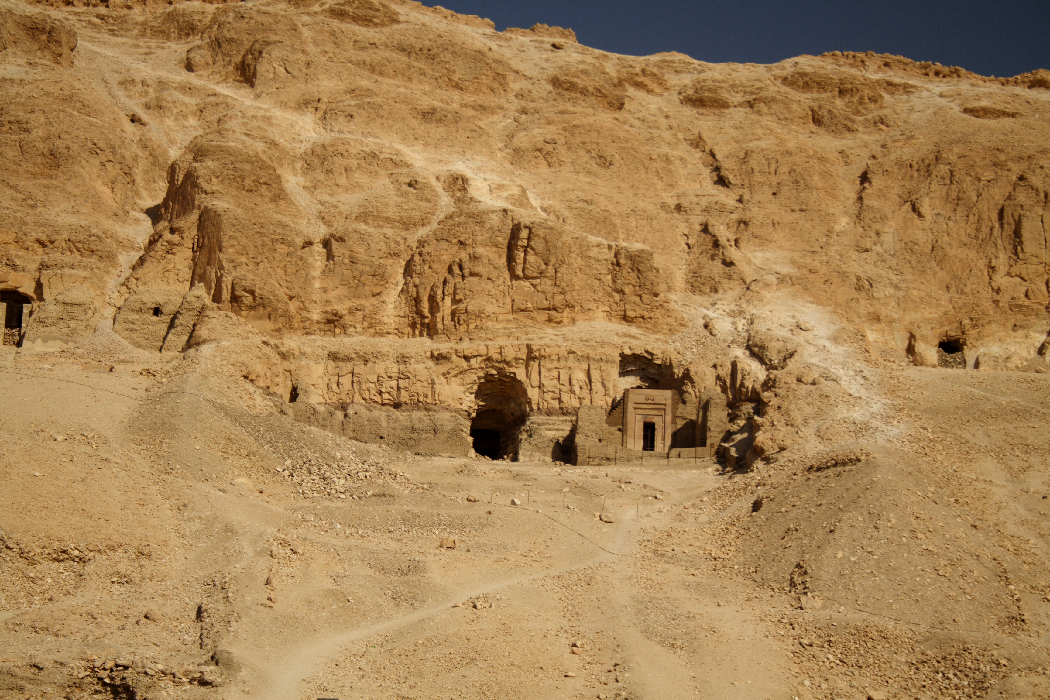 Tour To Luxor And Petra